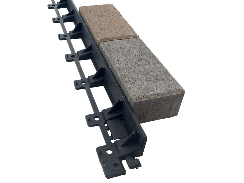 Whiz Q Stone Gator Edge Rigid Plastic Paver Edging